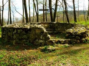 Az eredeti körtemplom romjai