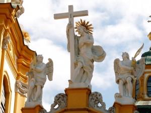 Melk - szobor a templomon