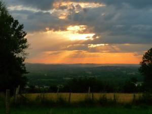 Naplemente a völgy felett