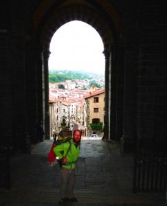 A katedrálisból lefelé indul az út