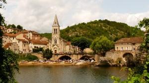 Kisváros Cahors előtt