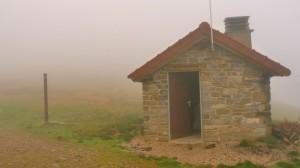 Menedékház a hegytetőn